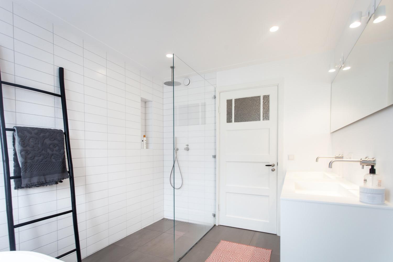 Verbouwing jaren-30-woning design strakke vloer