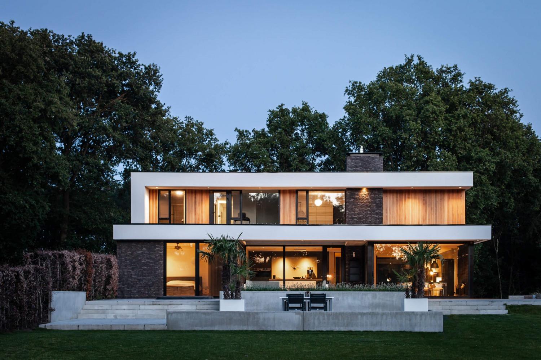 renovation modern villa by dutch architect