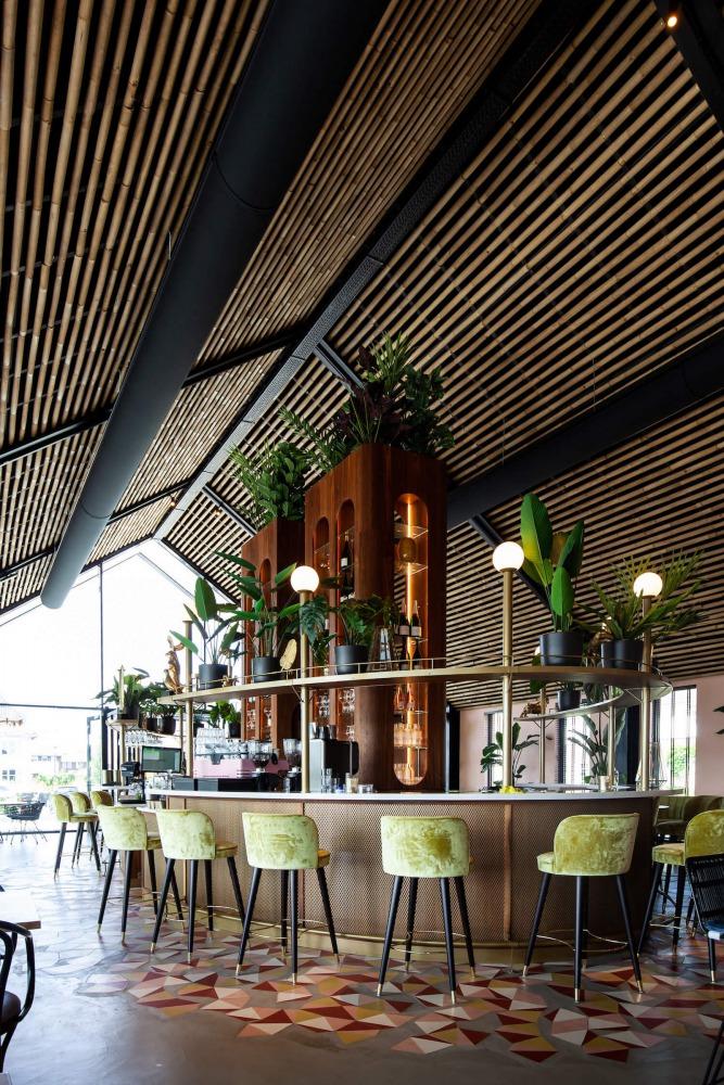 Bar van restaurant Brass