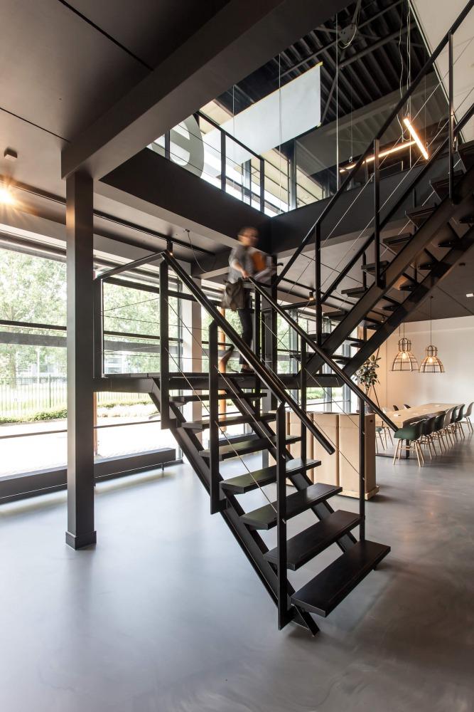 Verbouwing bedrijfspand interieurarchitect Nijmegen trap