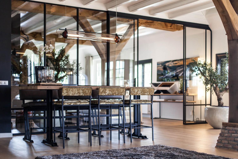 moderne interieurarchitect voor advies verbouwing luxe villa in het gooi