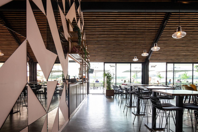 Architectonische vormgeving restaurant Brass
