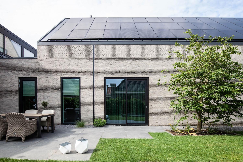 zonnepanelen metselwerk